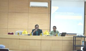 Dekan FTK UIN Alauddin Makassar, Dr Marjuni saat memberikan arahan dan sambutan untuk pembimbing dan guru pamong PPL (Foto: Istimewa)