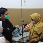 Tomy Satria kunjungi warganya Melinda, dan Mansyur (Foto: Pemkot Makassar/zonatimes.com)