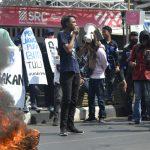 Hipermata komisariat UNM demo di Kantor DPRD dan Bupati (Foto:Jaya/zonatimes.com)