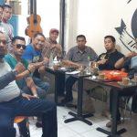M-Guard Legend Kiwal Garuda Hitam (LKGH) Kota Makassar silaturahmi dan ngopi bersama di Warkop Dg Sija, Jalan Ratulangi, Makassar, Selasa, 5 November 2019 (Foto: Rahman/zonatimes.com)