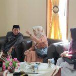 Legislator PPP Andi Nurhidayati Zainuddin dan Bupati Soppeng Andi Kaswadi Razak Jumpa di DPRD Soppeng (Foto: Rahman/zonatimes.com)