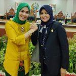 Andi Nurhidayati Zainuddin Anggota DPRD Sulsel (kanan) (Foto: Facebook/zonatimes.com)