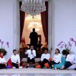 Jajaran staf khusus presiden Jokowi (Foto: Instagram Jokowi/zonatimes.com)